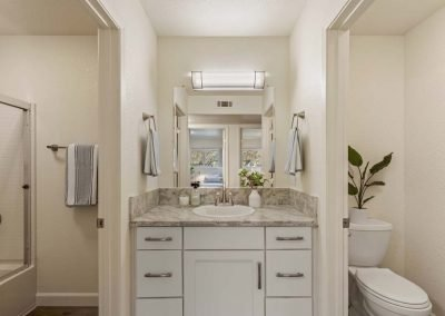 Aggie Square Deluxe Apartment Rental Split-Bathroom Design