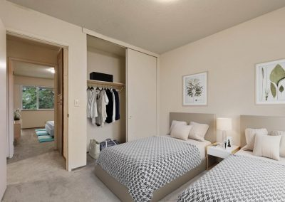 Almondwood Apartments 2 Br Townhome Bedroom