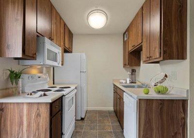 Almondwood Apartments 2 Br Townhome Kitchen