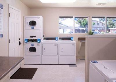Almondwood Apartments Clothes Dryers