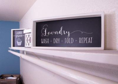 Almondwood Apartments Laundry Decorations