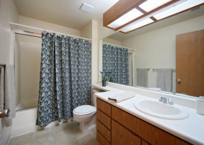 Fountain Circle Townhomes in Davis bathroom and shower
