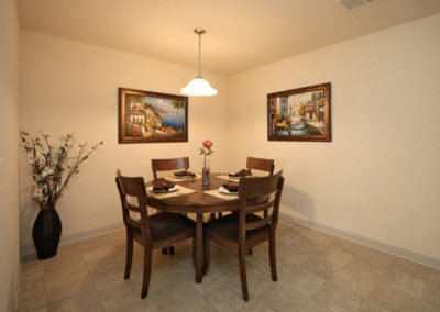 Fountain Circle Townhomes apartment dining area