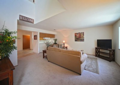 Fountain Circle Townhomes in Davis living room