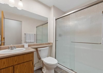 Fountain Circle Townhomes Bathroom - 2BR Apartment