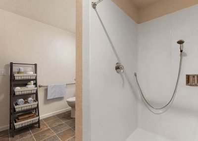 Fountain Circle Townhomes Bathroom Shower - 1 Br Apartment