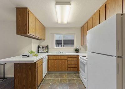 Fountain Circle Townhomes Kitchen View - 1 Br Apartment