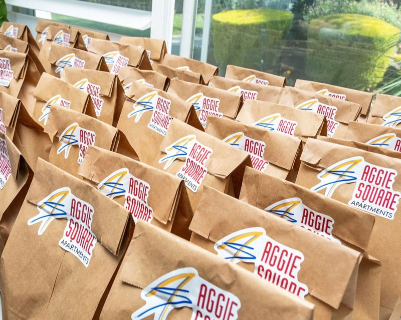 Aggie Square Apartments Lunch To Go