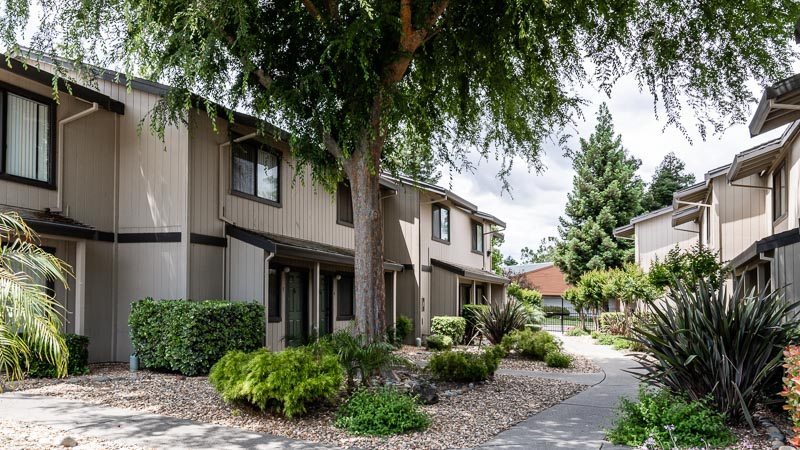 Almondwood Apartments in Davis Near UC Davis