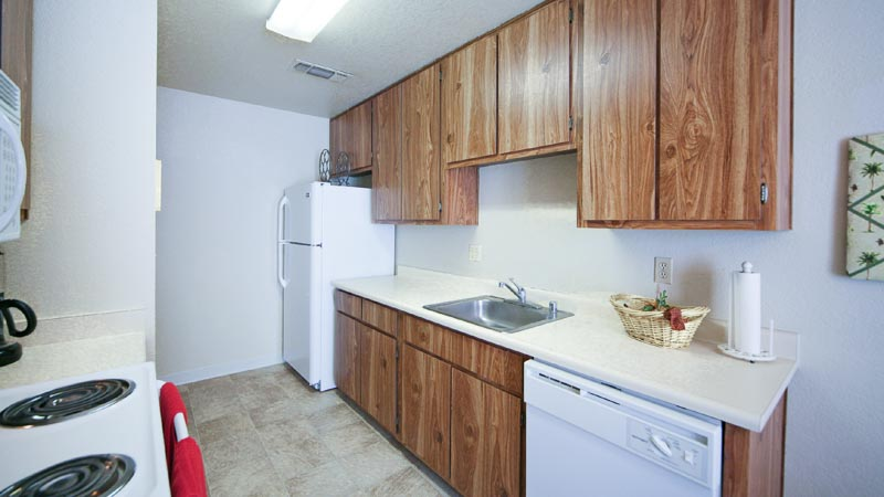 Almondwood Apartments in Davis Standard Kitchen