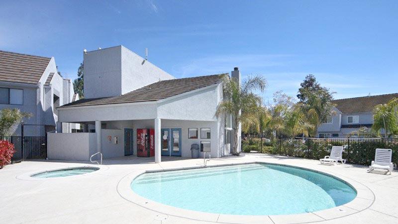 fountain-circle-townhomes-pool-spa